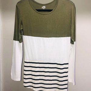 Multi fabric tee shirt